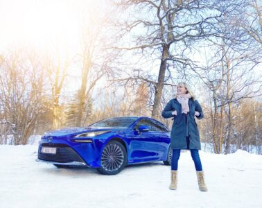 Toyota Mirai Mia Litström Cars and Watches for Ladies provkörning