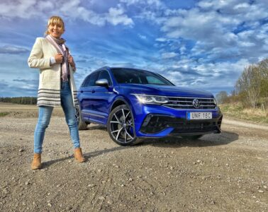 Provkörning Volkswagen Tiguan R Mia Litström Cars and Watches for Ladies