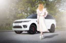 Range Rover Sport PHEV provkörning Mia Litström Cars and Watches for Ladies