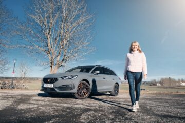 Mia Litström provkörning Cupra Leon Sportstourer e-Hybrid Cars and Watches for Ladies