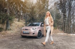 Provkörning Fiat 500e Mia Litström Cars and Watches for Ladies