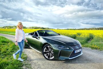 Lexus LC 500 Cabriolet Convertible Mia Litström Cars and Watches for Ladies