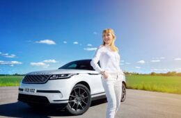 Range Rover Velar PHEV Mia Litström provkörning Cars and Watches for Ladies