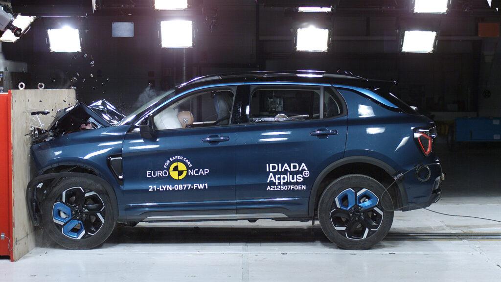 Lynk & Co 01 krocktest EuroNCAP Cars and Watches for Ladies Mia Litström