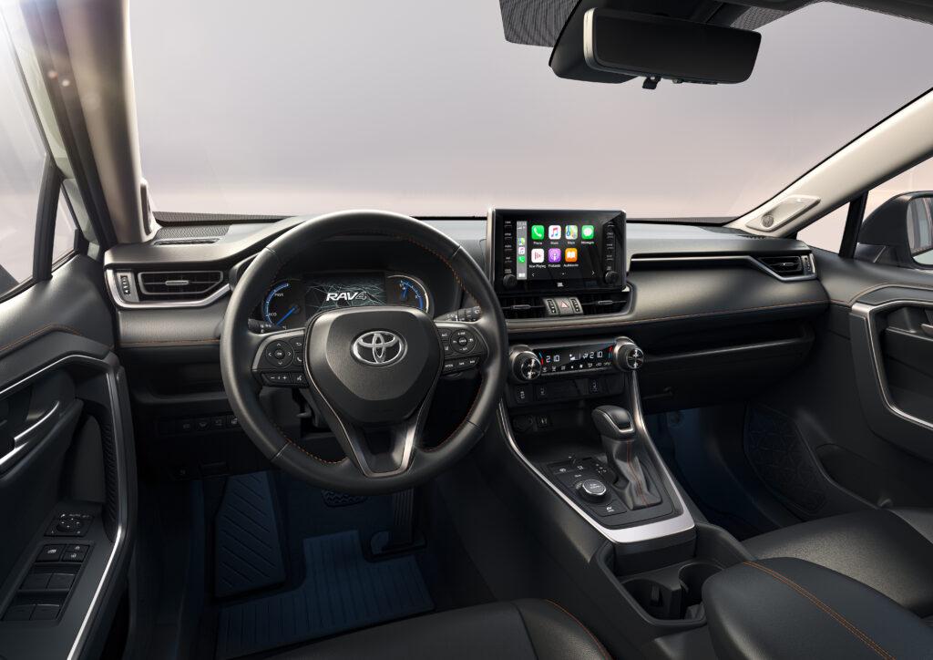 Toyota RAV4 Adventure Mia Litström Cars and Watches for Ladies